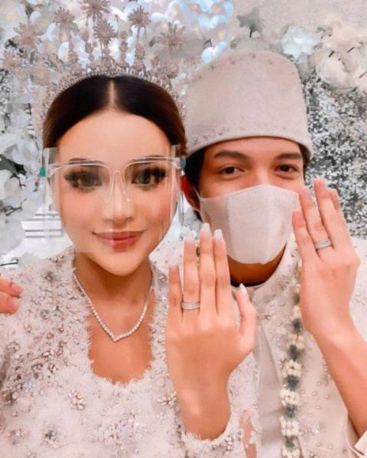 Menjadi Perhatiann Netizen, Ria Ricis Tidak Datang Dalam Pernikahan Atta-Aurel