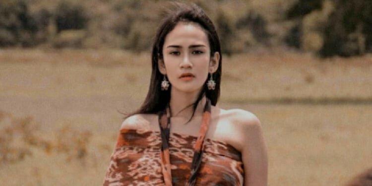 Pakai Penerjemah Di Ajang Internasional, Miss Eco Indonesia Di Bully Netizen