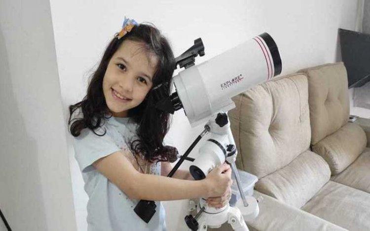 Nicole Oliveira Bocah 7 Tahun Asal Brazil Yang Dinobatkan Sebagai Astronom Termuda
