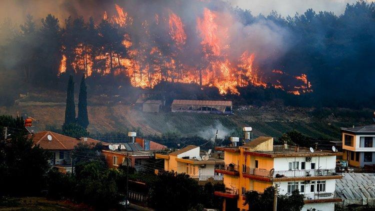 Turkey Dilanda Kebakaran Hutan, Hastag #Prayforturkey Jadi Ramai Di Twitter, Ini Fotonya !