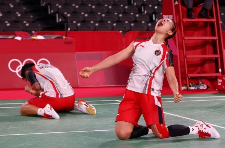 Tunggal Putra Lolos Ke Semifinal, Ganda Putri Masuk Final !